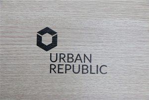 WER-D4880UV在木質材料上打印徽標